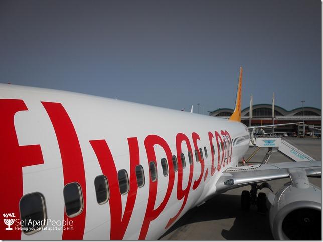 01.Plane to Van