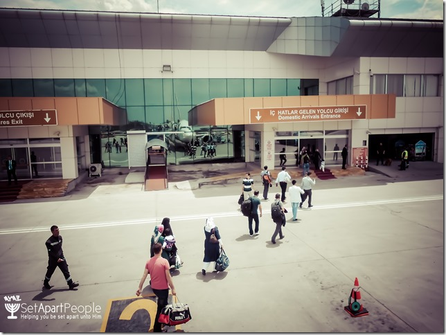 02.Airport at Van