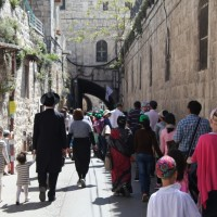 People in the Old City during Pesach