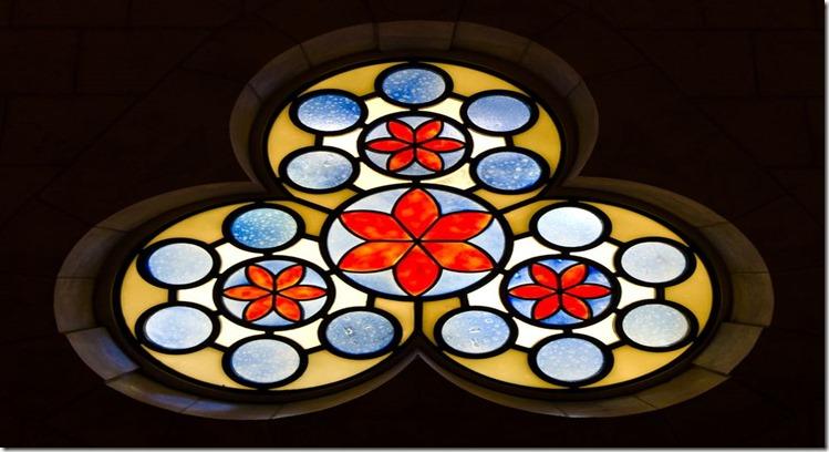 synagogue-window med